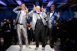 Buzz Aldrin, Bill Nye Take 'One Giant Leap' Down the Runway