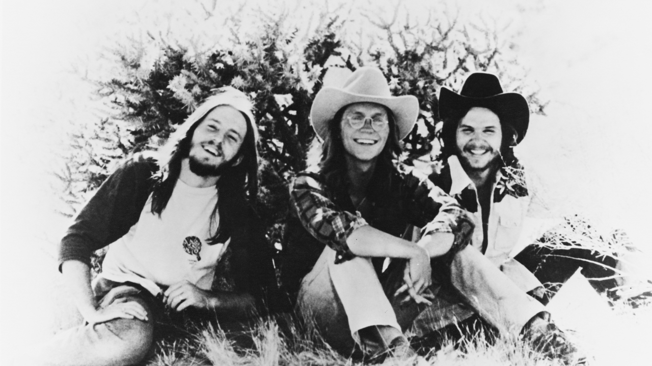 The Story Behind The Song: A Horse With No Name by America