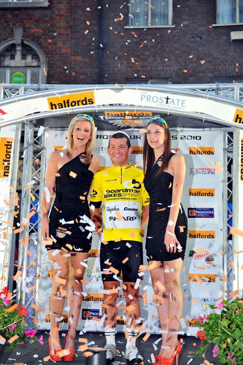 Graham Briggs wins Boardman Bikes sprint competition, Tour Series 2010 round 10 Woking