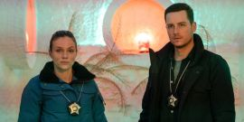 Chicago P.D.'s Tracy Spiridakos Breaks Down Upton's Heartbreaking Final Scene, Upstead's 'Real Love Story' And More