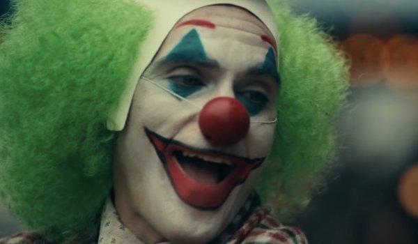 Joker Joaquin Phoenix looking like a Chaplinesque clown