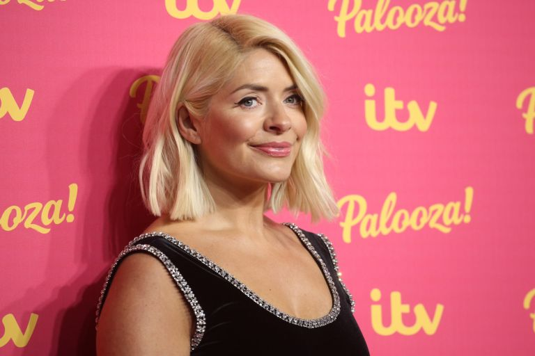 Holly Willoughby S Make Up Artist Uses This Glow Primer Woman Home