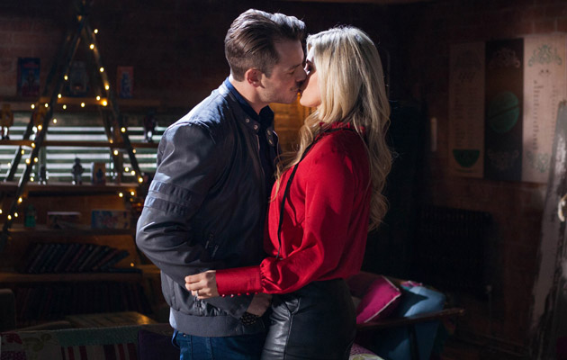 Secret lovers Mandy and Darren find the perfect hideaway to continue their affair - but will they get caught?