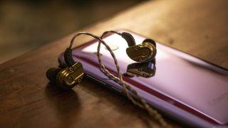 revonext NEX 2020 earphones