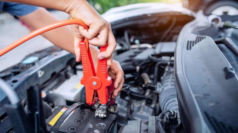 5 reasons why you should always have a jump starter with you