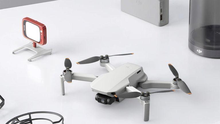DJI Mini SE drone