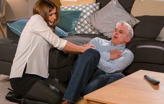 Coronation Street Spoilers: Michelle calls an ambulance for Robert