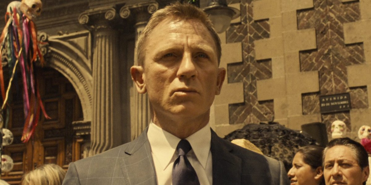 Daniel Craig stand stoically in Mexico, during the day of the dead, in Spectre