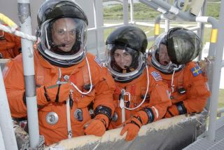 Shuttle Astronauts Practice Launch Pad Escape