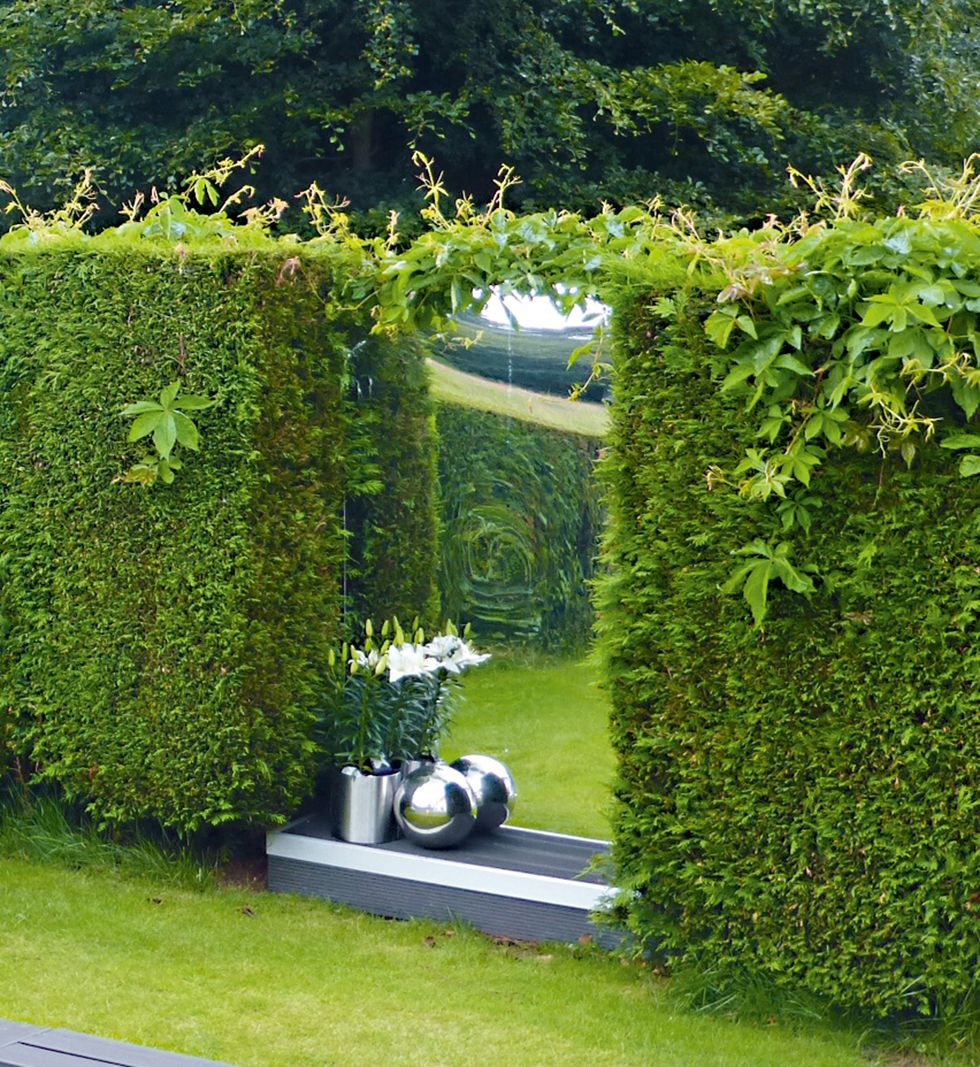 21 Ideas To Make A Small Garden Look Bigger Real Homes