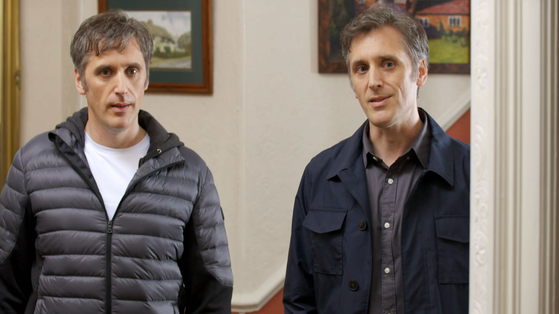 Ex Holby City star plays BOTH identical twins in Doctors