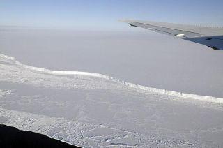 antarctica-brunt-ice-shelf-111014-02