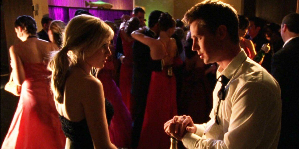 Kristen Bell and Jason Dorhing in Veronica Mars Episode Look Who's Stalking