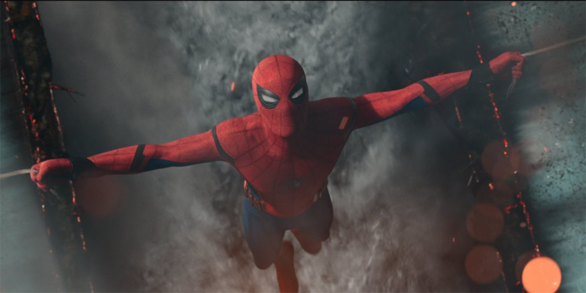 Spider-Man holds two ships together in SPider-Man Homecoming