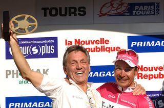 Frans Van Looy (left) celebrates T-Mobile rider Erik Zabel's win at the 2005 Paris-Tours