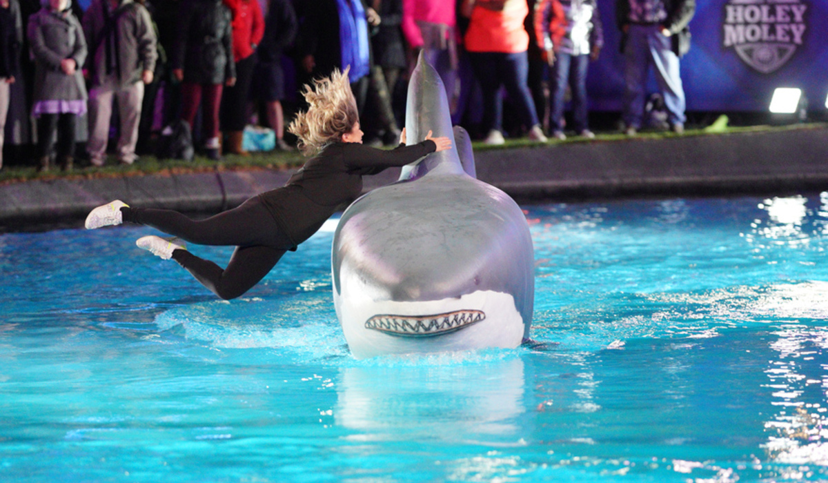 holey moley season 2 putt the plank shark abc