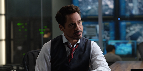 why spiderman homecoming might be including tony stark