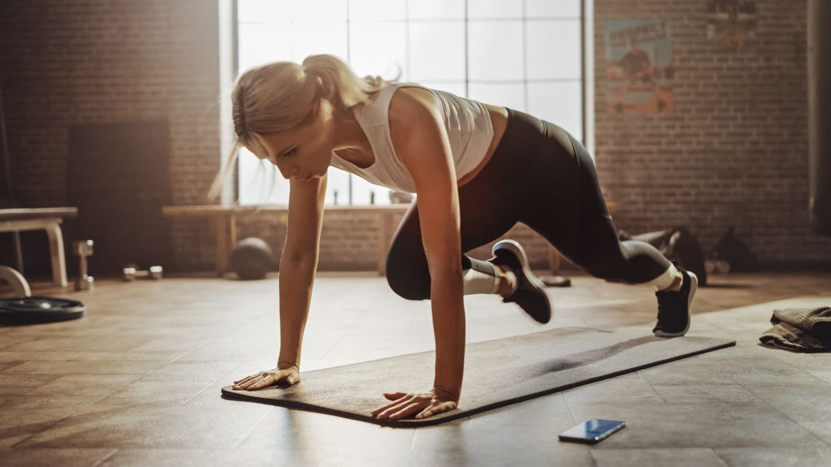 4 Fun Side Plank Variations For A Stronger Core   Abs workout, Stomach workout