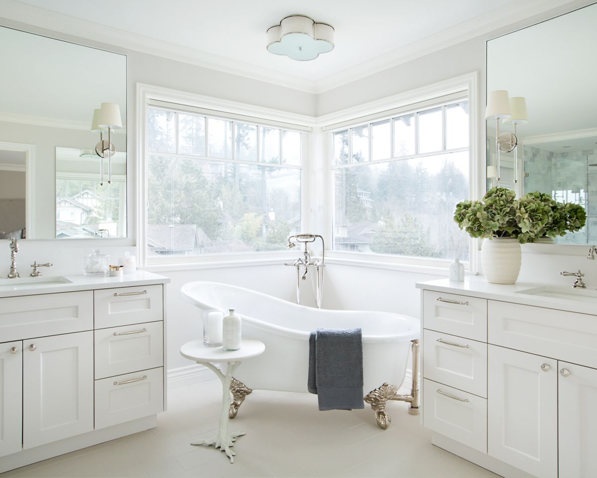 Interior designers reveal why white bathtubs are out of fashion – and what's in