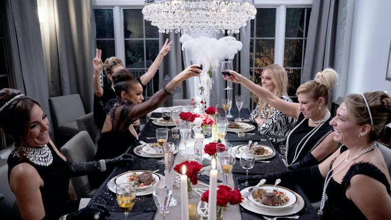 the real housewives of new york city at a dinner party