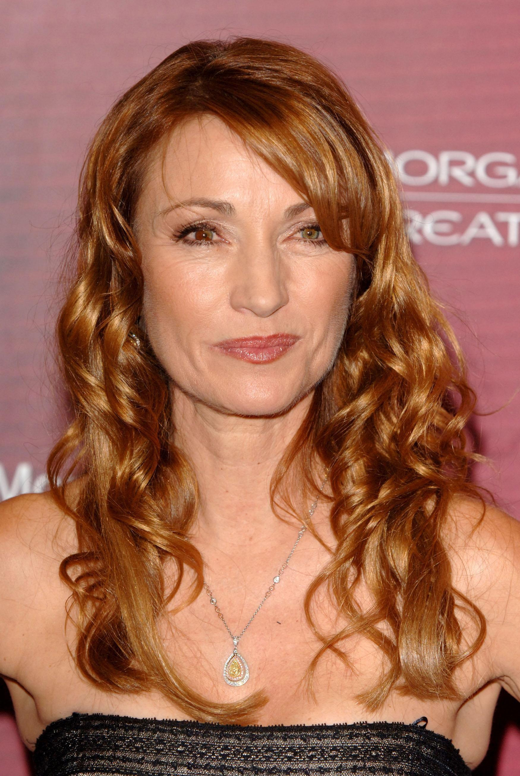 Jane Seymour returns to the UK after mum's death