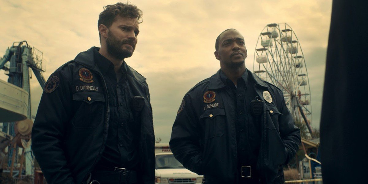 Jamie Dornan and Anthony Mackie in Synchronic (2019)