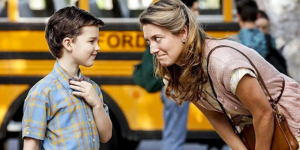 Young Sheldon and his mother in the pilot