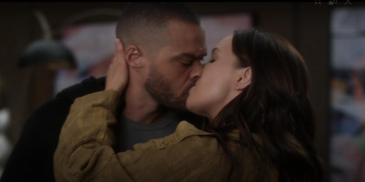 Grey's Anatomy Jo Wilson Jackson Avery kissing