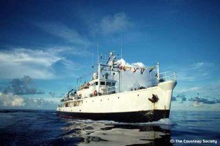 calypso-at-sea-100610-02