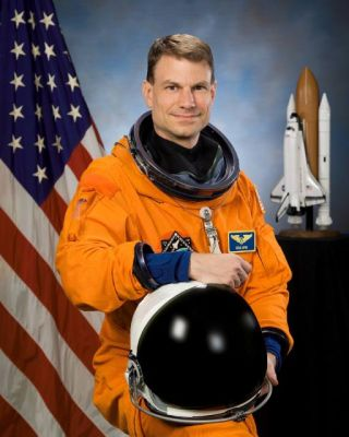 Astronaut Biography: Stanley G. Love
