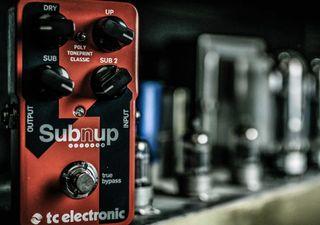 review tc electronic sub 39 n 39 up octaver pedal guitarworld. Black Bedroom Furniture Sets. Home Design Ideas