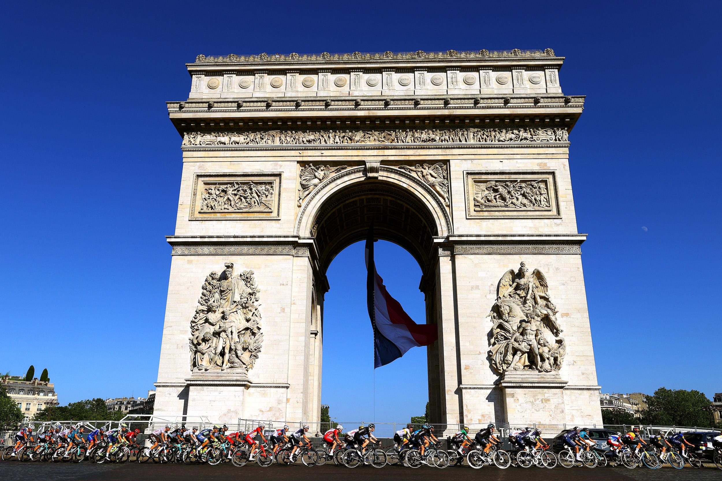 The Tour de France passes the Arc de Triomphe