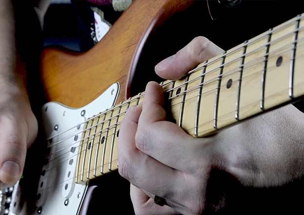 Why (and How) We Should Learn Jimi Hendrix's Guitar Habits