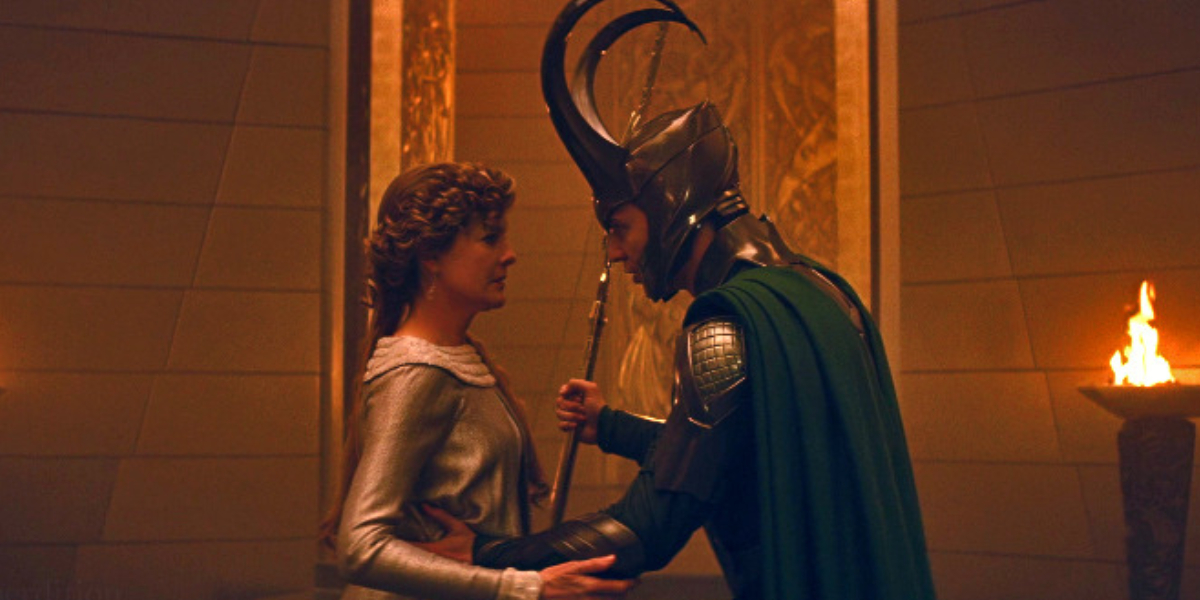 Rene Russo and Tom Hiddleston in Thor