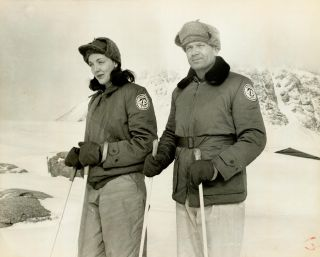 Jackie Ronne and her husband Finn on skis in Antarctica during an expedition from 1946-1948.