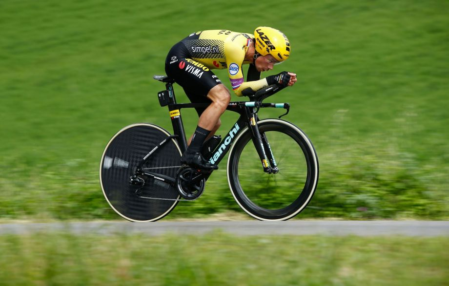 Primož Roglič takes time trial victory after mechanical costs Victor Campenaerts in stage nine of the Giro d'Italia 2019