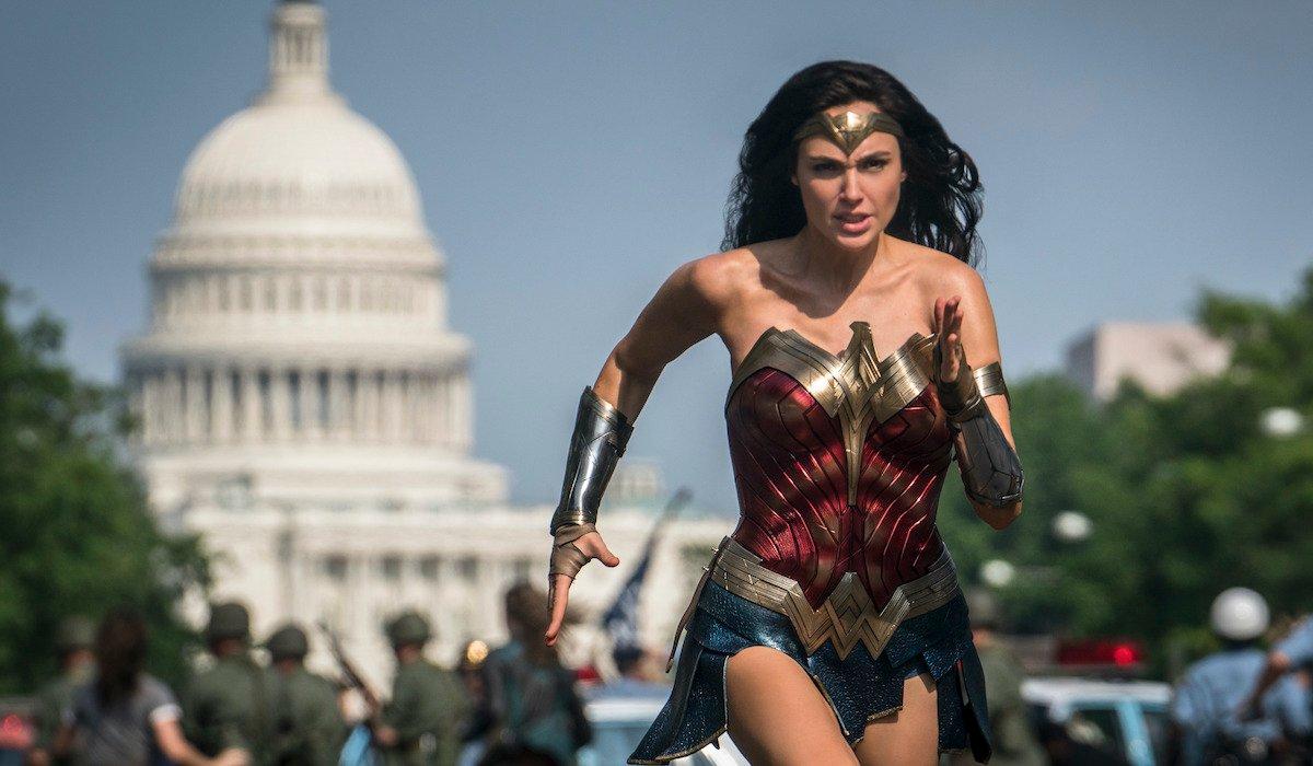 Gal Gadot running through streets of DC in Wonder Woman 1984