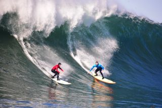 Mavericks, waves