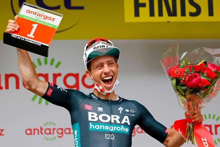 Ide Schelling take the red number as well as the polka dot jersey after stage one of the Tour de France 2021