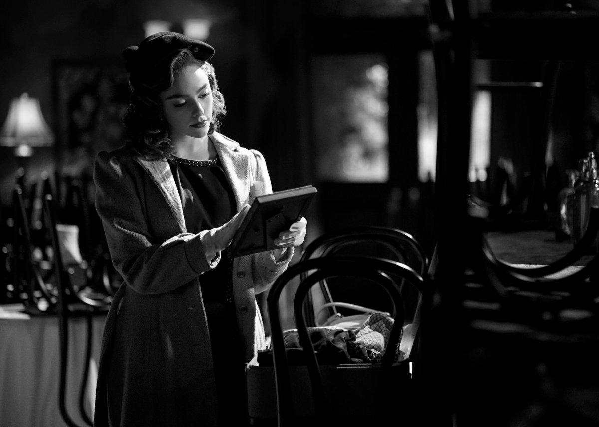 Legacies Season 2, Episode 14 The CW film noir Hope book