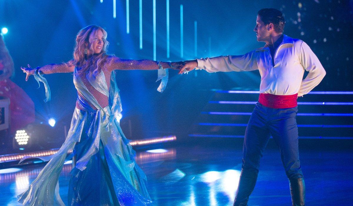 Monica Aldama And Valentin Chmerkovskiy dwts disney night