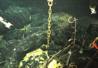 axial seamount, axial volcano, underwater volcano, subsea volcano, volcanoes, volcanic eruptions, underwater volcanic eruptions, juan de fuca ridge volcano
