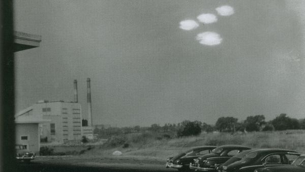 No evidence' UFOs are alien spacecraft, but they're not American, Pentagon says