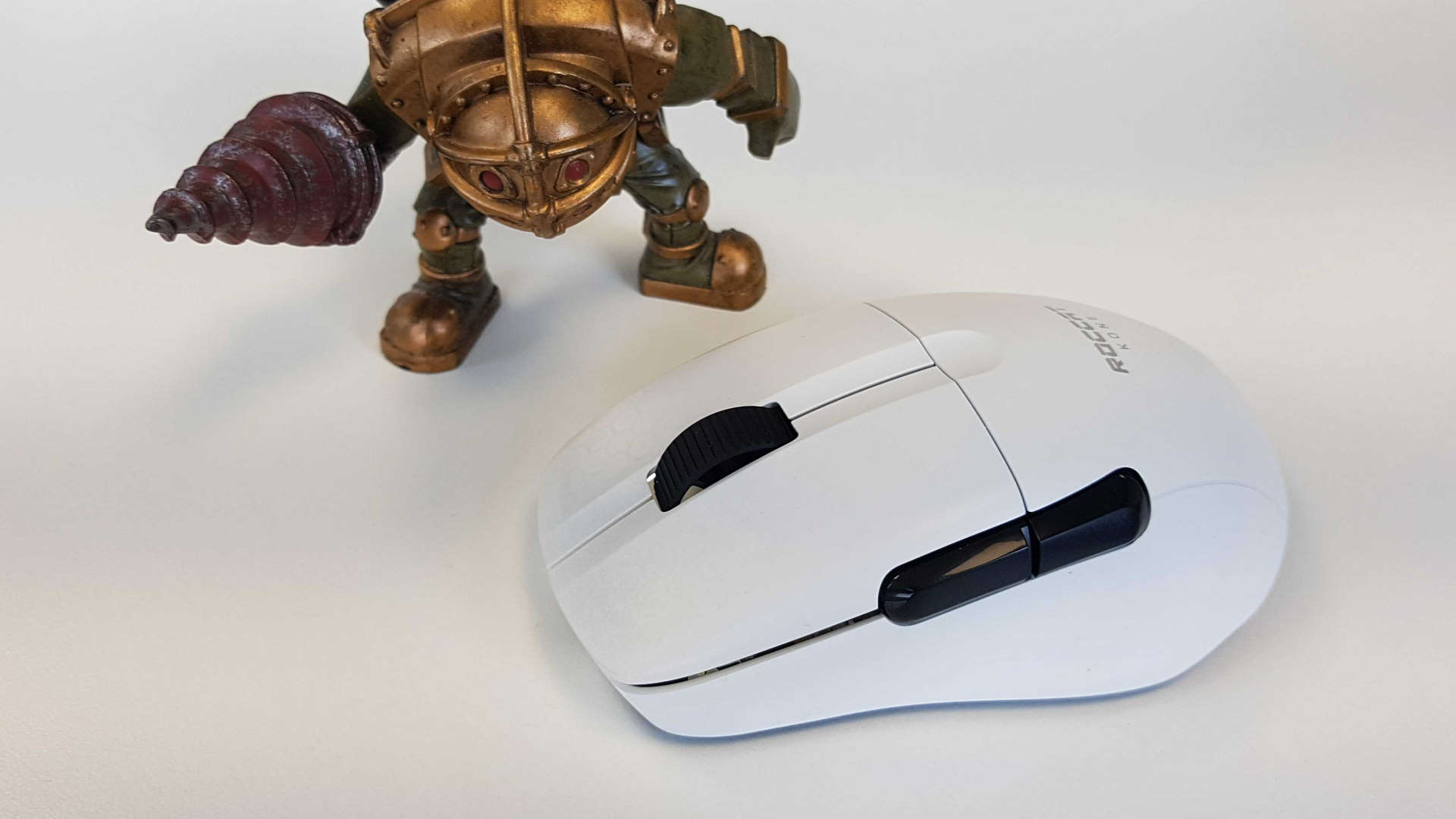 The Roccat Kone Pro Air wireless gaming mouse