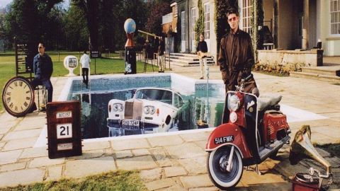 Oasis Be Here Now album cover
