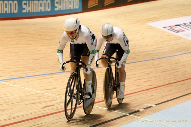 Anna Meares Kaarle McCulloch team sprint 2012 world track championships.jpg