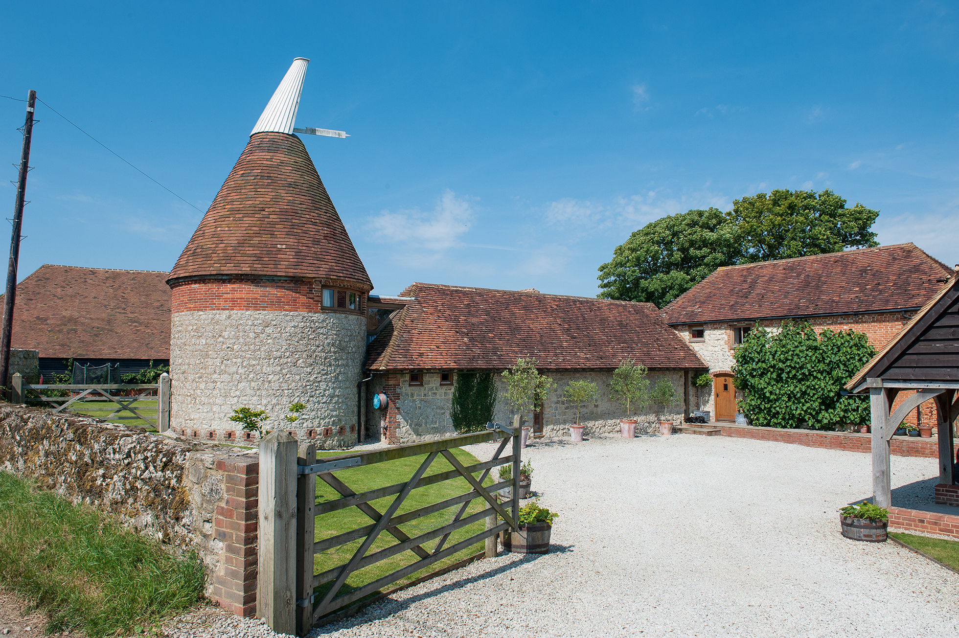 Oast house and granary converted | Real Homes