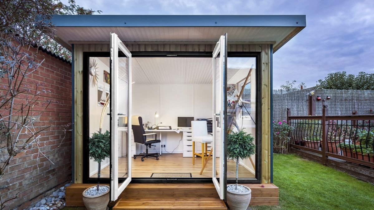 4 reasons why you should consider adding a garden office to your outdoor space now