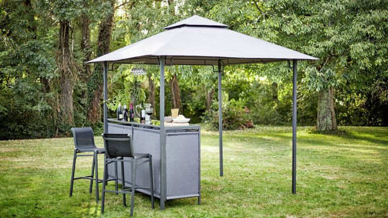 garden furniture: bar from argos