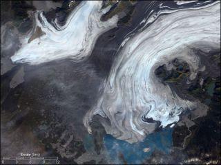 bering-glacier-alaska-110527-02